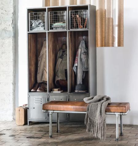 Mueble De Entrada Con 3 Puertas De Metal Gris Y Mango Macizo Lewis