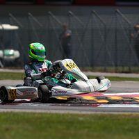 Ralf Schumacher y Fernando Alonso se pelean por la seguridad del Circuito de Karting