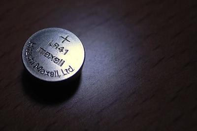 ¿Pilas botón que no dañan al ser ingeridas? Podría ser posible con este descubrimiento