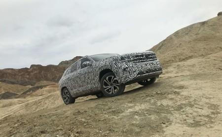 Probamos el Volkswagen Atlas Cross Sport en temperatura extrema con todo y camuflaje
