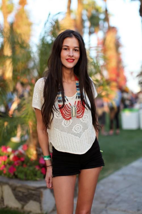 Foto de Los 10 mejores looks de las streetstylers en Coachella: nada que envidiar a las celebrities (29/38)
