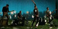 Coldplay ponen música e imágenes al verano con 'A Sky Full Of Stars'