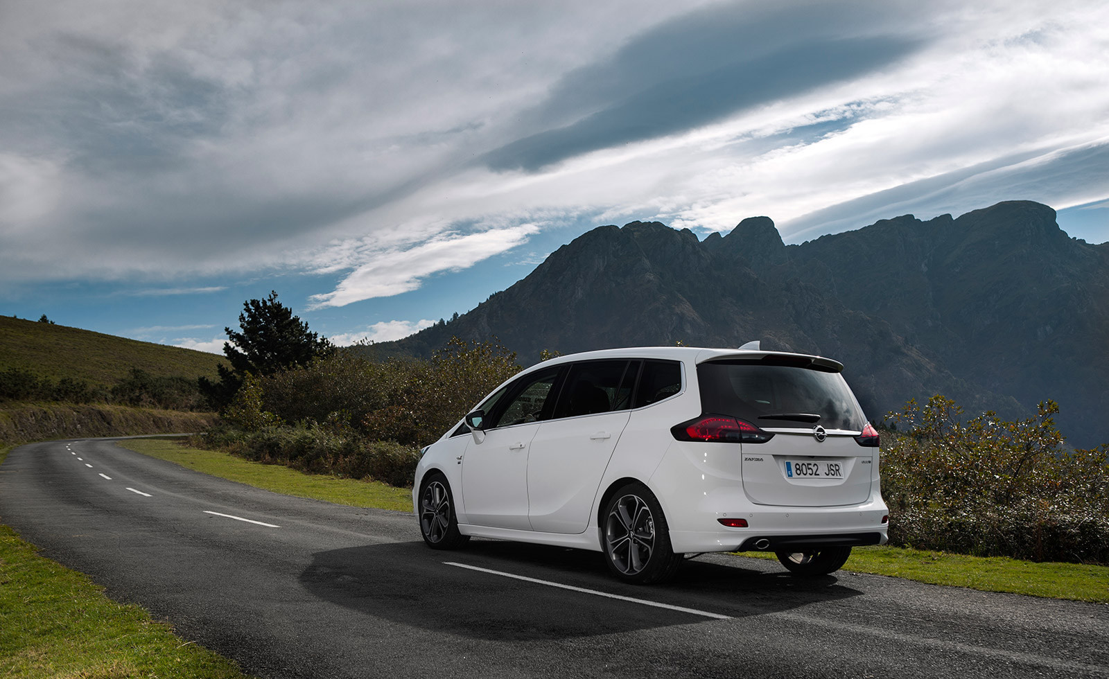 Foto de Opel Zafira 2017 (4/16)