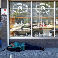 """¿Qué hacer con los """"sin techo"""" cuando hay toque de queda? En Bruselas, entregarles un salvoconducto"""