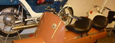 Así era la Montesa Fura, un innovador scooter de tres plazas catalán que fue una moto demasiado moderna para la España de 1958