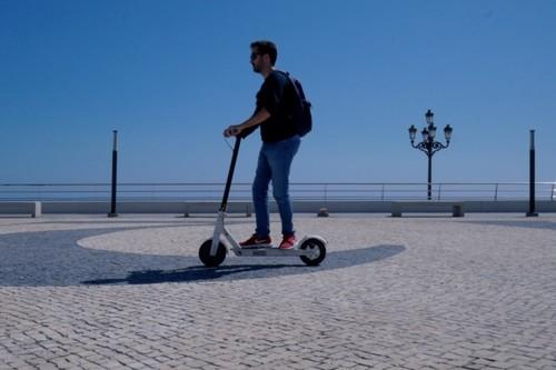 El patinete más vendido de Xiaomi está rebajadísimo en eBay con este cupón: el Mi Scooter M365 por 243 euros