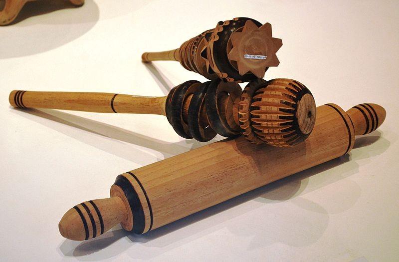 El chicoli o molinillo uno de los batidores de chocolate for Utensilios antiguos de cocina