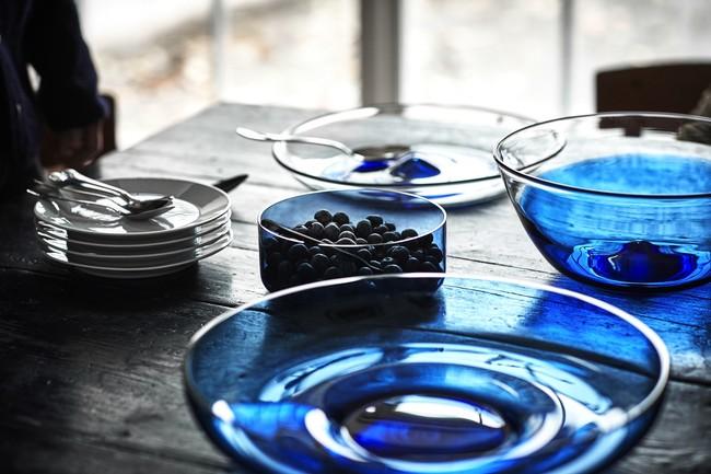 Ikea Coleccion Stockholm 2017 Ph141819 Fuente Bol Vidrio Azul Lowres