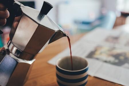 El café en casa, más tradicional y natural que nunca con estas siete cafeteras italianas