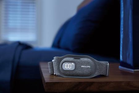 Philips quiere que dejemos de roncar con esta banda ajustable que monitoriza nuestra posición mientras dormimos