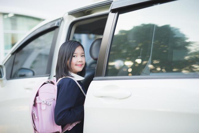 ¿Sabías que la DGT puede inmovilizarte el coche si no llevas a tus hijos en un sistema de retención infantil?