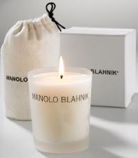 Manolo Blahnik, ahora velas