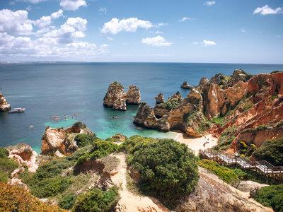Compañeros de ruta: de las mejores playas del Algarve a las joyas del Báltico y planes cercanos para exprimir el verano