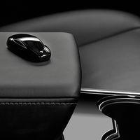 La nueva llave del Tesla Model 3 ya abre el coche con sólo acercarse... pero es cara y por ahora está agotada