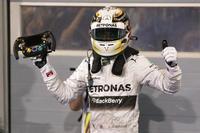 Continúa la hegemonía de Mercedes AMG. Lewis Hamilton se hace con el Gran Premio de Baréin