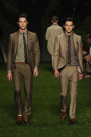 Foto de Etro, Primavera-Verano 2011 en la Semana de la Moda de Milán (1/10)