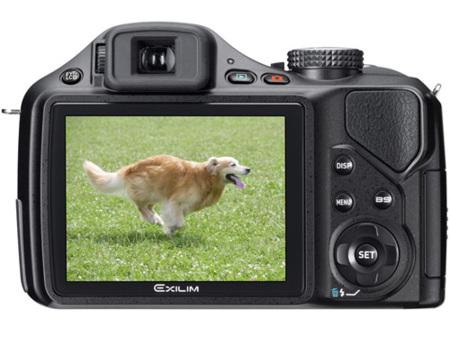Casio mejora la toma de fotos con poca luz con sus nuevas cámaras Exilim