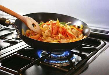 ¿Qué menaje de cocina deberías llevarte a tus vacaciones de verano?