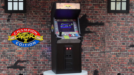 Esta mini-recreativa de Street Fighter II no es apta para cualquier bolsillo, pero destila  más que nostalgia