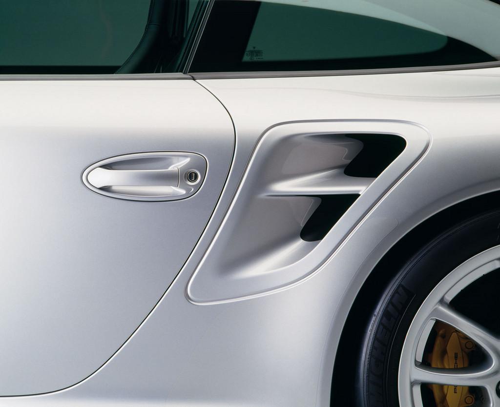 Foto de Porsche 911 (997) GT2 (27/32)