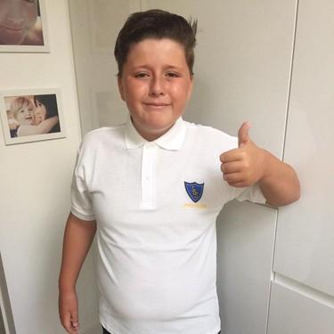 Suspende todo, tiene autismo y sus profesores le escriben para felicitarle