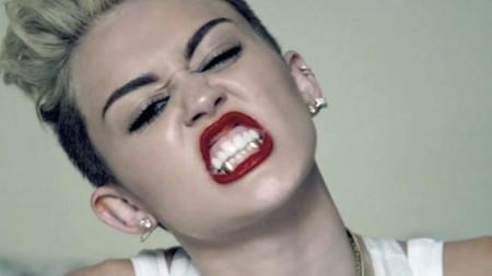 Miley Cyrus con Grillz