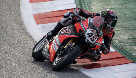 Triplete de Ducati en Cataluña con remontada hasta la victoria de Scott Redding