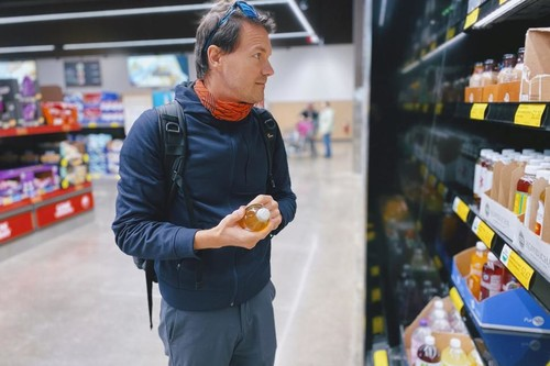 """El boicot a Schweppes que creó la lista quimiofóbica contra los aditivos """"E"""" más famosa del mundo: cómo se crea y crece un bulo"""