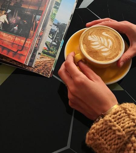 Siete cafeteras y tres batidoras espumadoras (con buena nota en Amazon) para hacer el mejor café de cafetería en casa
