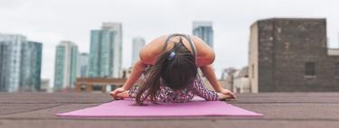 Cinco rutinas de Yoga para hacer en casa en 15 minutos o menos