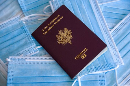 Así es el pasaporte sanitario que plantea la UE: un código de barras con información sobre vacunas, test y superación de la covid