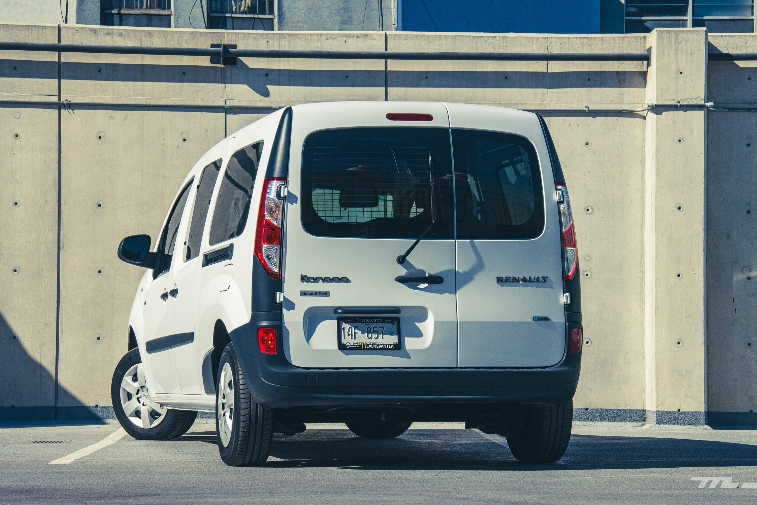 Foto de Renault Kango Z.E. Maxi 5 pasajeros (14/29)