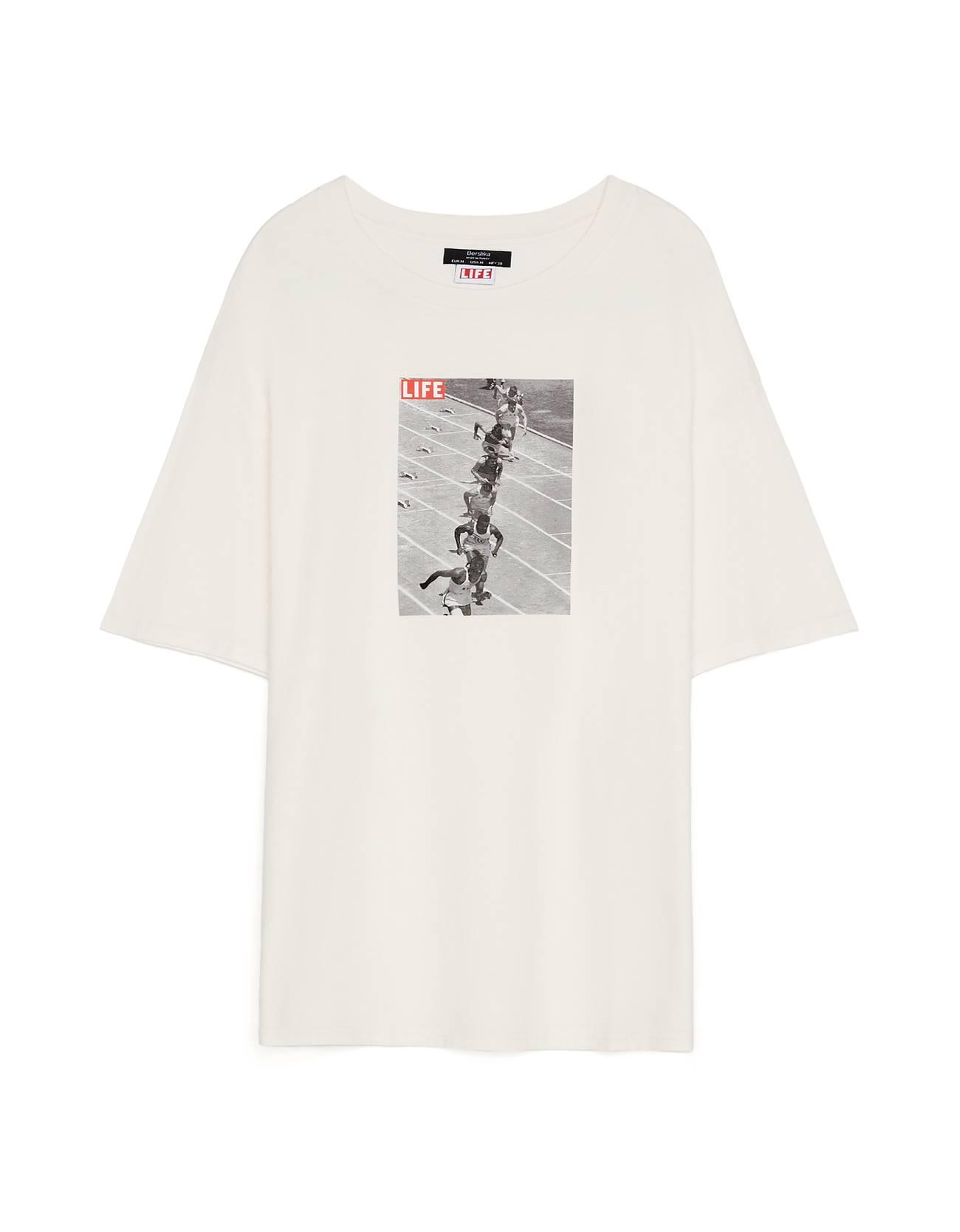 Camiseta con estampado.