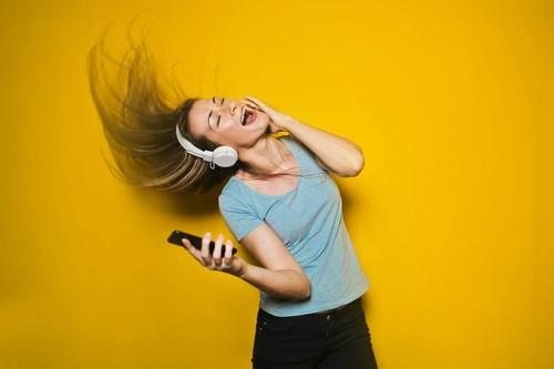 El baile también es un buen ejercicio durante la cuarentena: estos son sus beneficios físicos y mentales