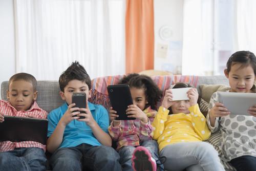 Seis aplicaciones para controlar el uso que los niños le dan al celular o tablet