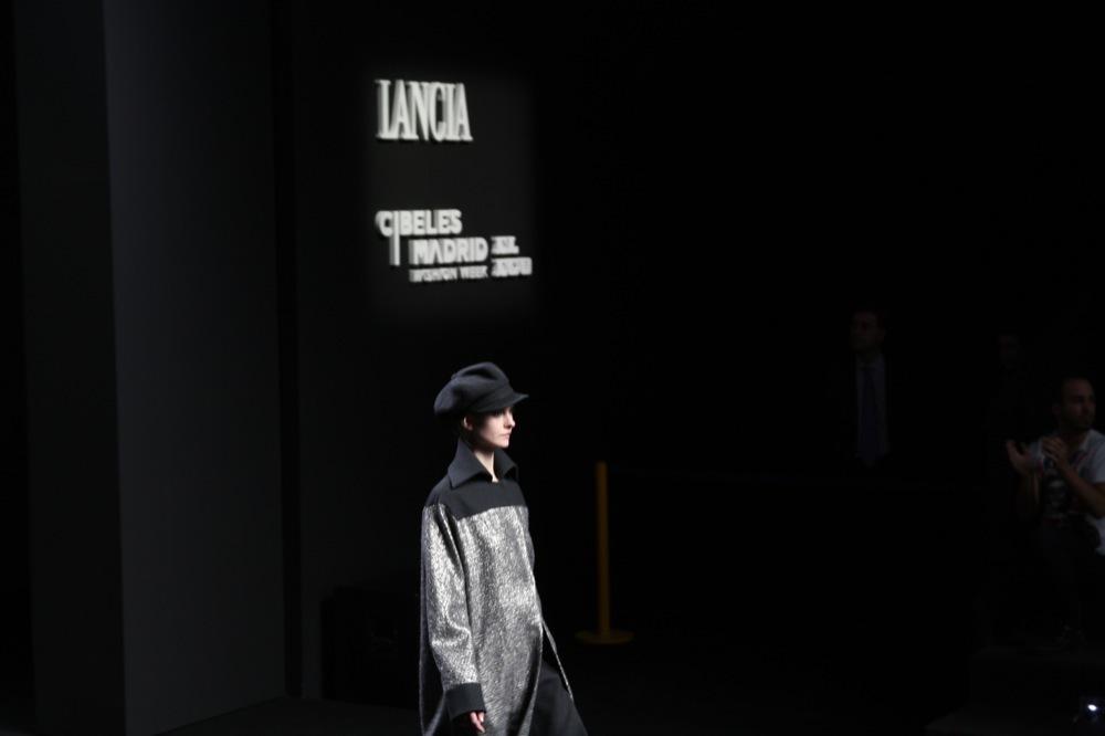 Foto de Jesús del Pozo en la Cibeles Fashion Week Otoño-Invierno 2011/2012 (37/71)