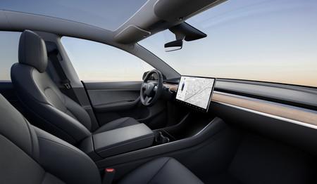 Tesla Model Y Interior Negro