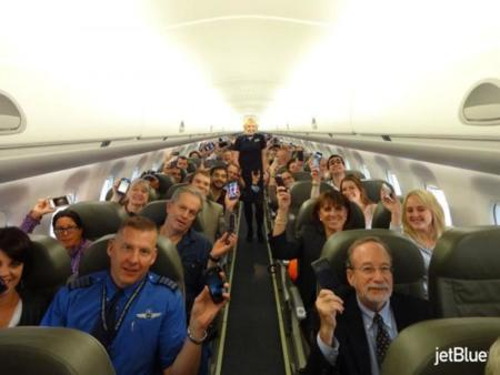 El móvil es bienvenido al avión: imagen de la semana