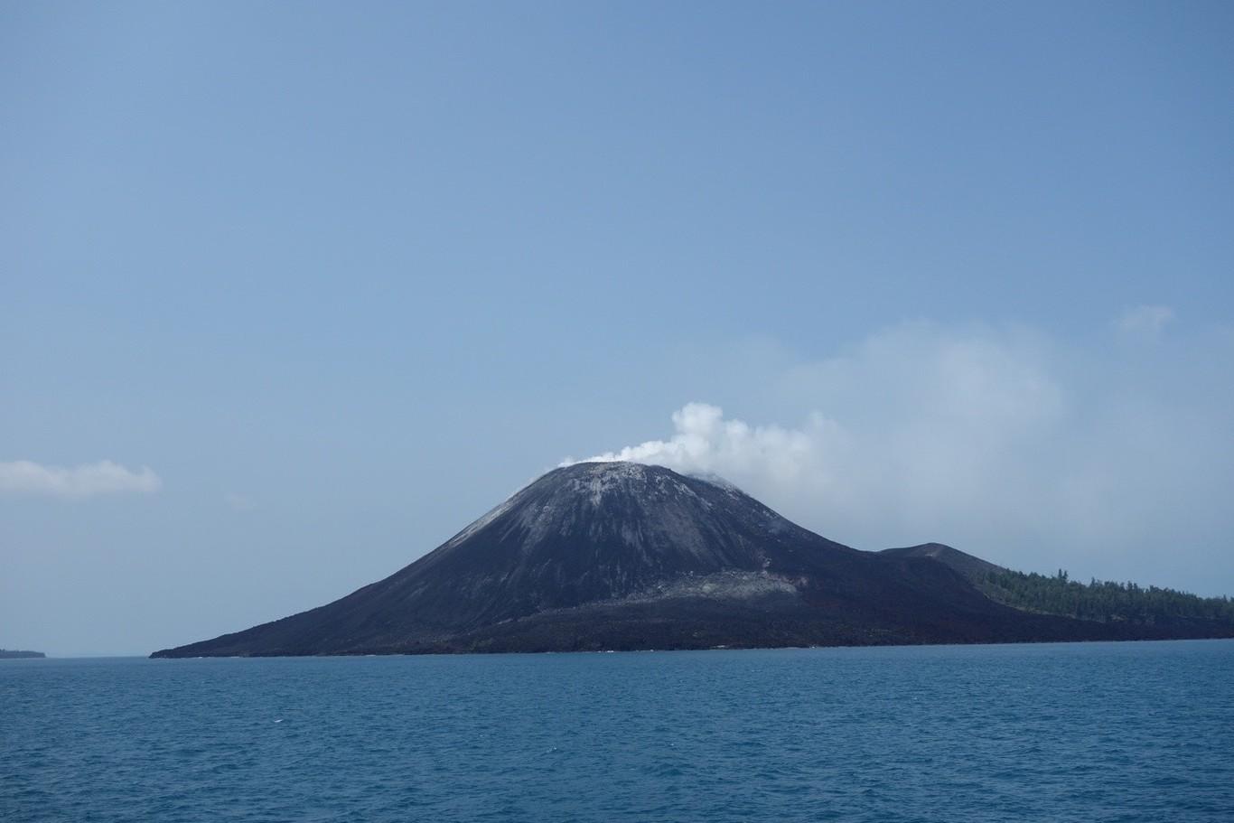 Cuando la erupción de un volcán se oye en la otra punta del mundo: así fue el sonido más fuerte registrado en la Tierra
