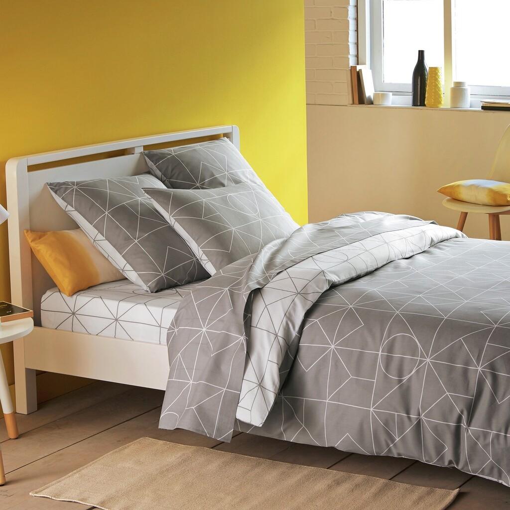 Una docena de dormitorios en los colores tendencia del 2021 según Pantone: amarillo y gris