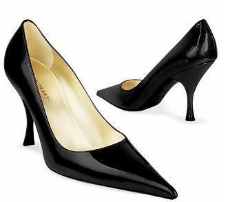 Quai D´Orsay: tradicionales diseños de zapatería en charol negro