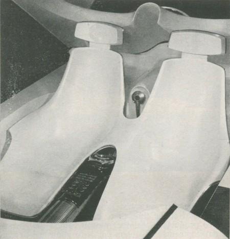 Ford Gyron 04