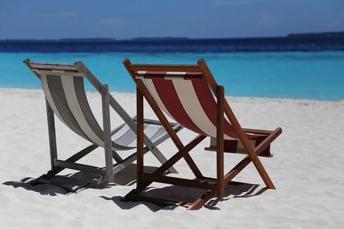 Vacaciones, la época de reflexión y posible divorcio entre empresa y empleados
