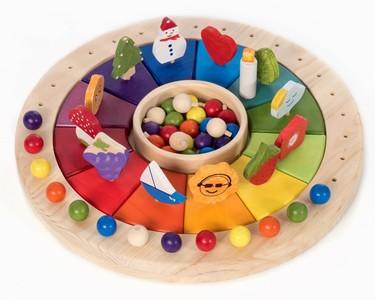 Calendario de inspiración Montessori para explicar a los niños el paso del tiempo