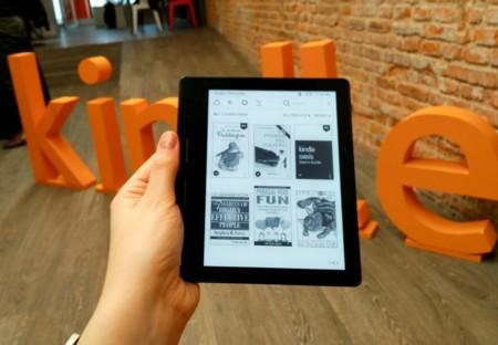Amazon lanza su Kindle Oasis: así es la tableta más fina y ligera de la compañía