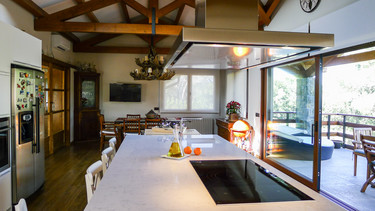 Con isla y con terraza, una cocina de ensueño
