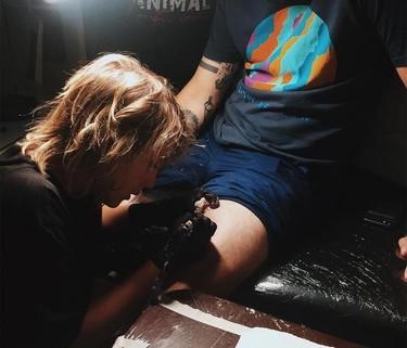 La última sensación en el mundo del tatuaje es este chico de 12 años que ha maravillado a Instagram