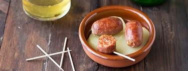 Cómo hacer chorizos a la sidra, receta clásica de aperitivo