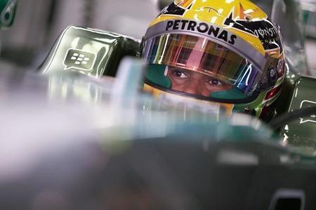 GP Japón: Mercedes al frente en los Libres 1