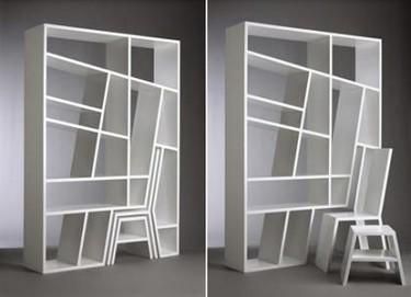Esconde una silla en una estantería